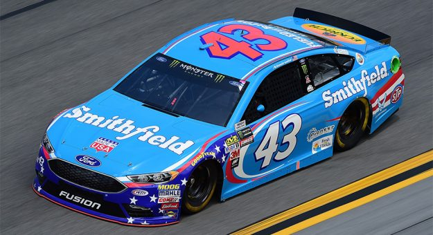 Pair of crew chiefs penalized for lug nut issues post
