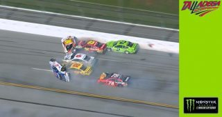Chase Elliott, AJ Allmendinger instigate 'Big One' at Talladega