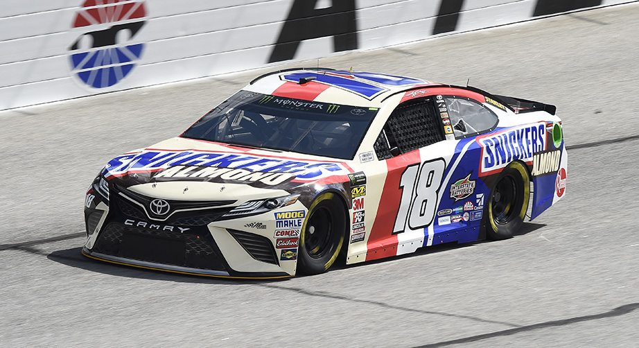 Kyle busch earns pole at atlanta motor speedway - Pictures of kyle busch s car ...