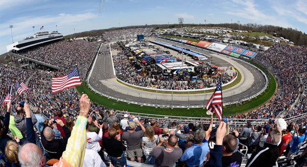 Fans cheer at Martinsville Speedway