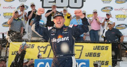 Johnny Sauter tames Monster Mile to win Truck Series race at Dover