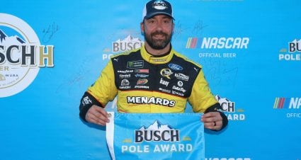 Paul Menard wins Busch Pole Award at Chicago