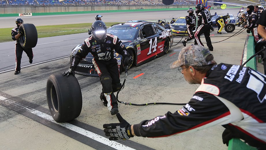 Stewart-Haas Racing changes pit crews for New Hampshire | NASCAR.com