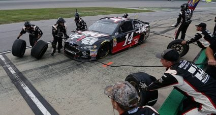 Pit road stats: Clint Bowyer's No. 14 team struggles at Kentucky