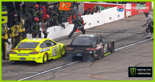 Trouble on pit road for Kurt Busch, Ryan Blaney