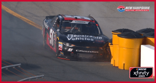 Clements hits sand barrels trying to come to pit road