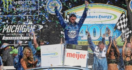 Harvick dominates Michigan for seventh win of 2018