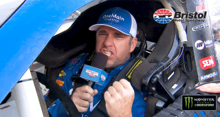 Elliott Sadler gives Xfinity Series command from his car at Bristol