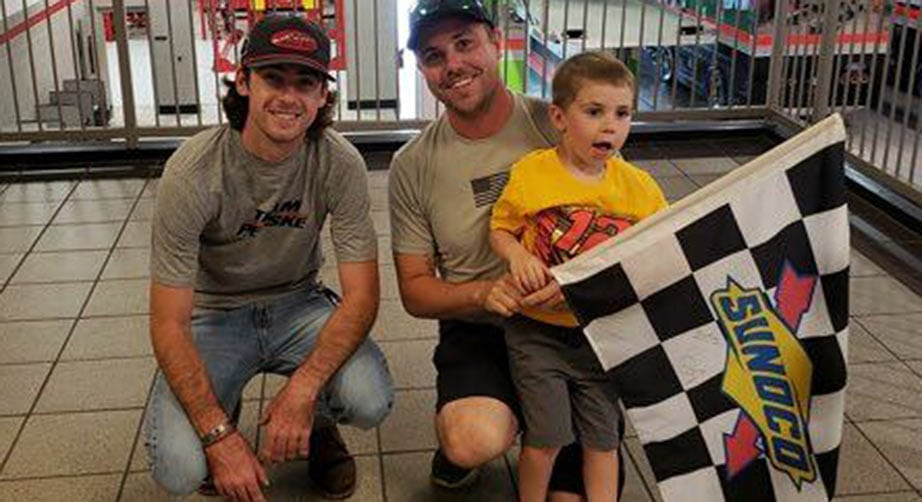 Ryan Blaney's checkered-flag gesture for 4-year-old fan | NASCAR.com