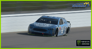 Kevin Harvick hit with late-race speeding penalty