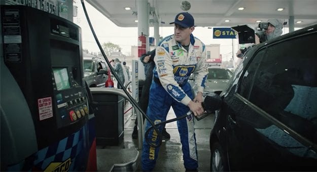 Chase Elliott's fueler, John Gianninoto, sets a new Guinness World Record for fueling the most amount of cars in an hour in NYC.
