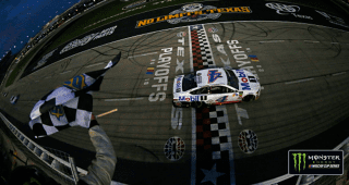 Harvick holds off Blaney in Texas overtime finish