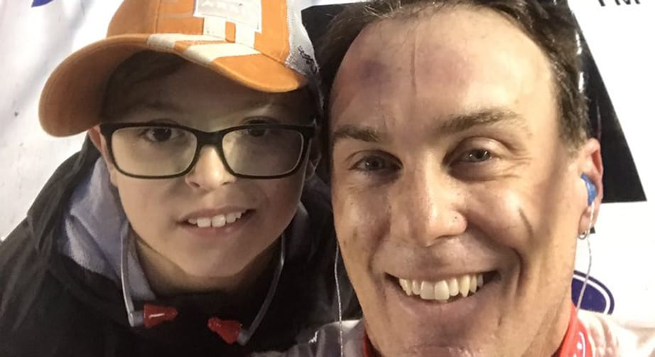 Kevin Harvick's selfie with young fan is a winner | NASCAR.com