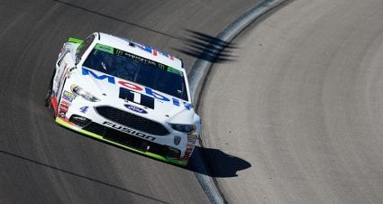 Kevin Harvick sweeps Stages 1 and 2 in Texas playoff race