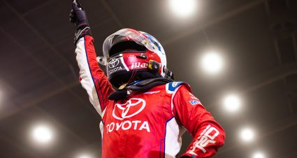 Three times! Christopher Bell outduels Kyle Larson for 2019 Chili Bowl victory