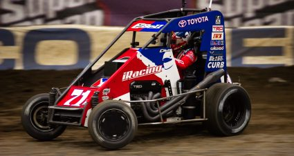 Christopher Bell, Kyle Larson highlight favorites to win Chili Bowl Nationals