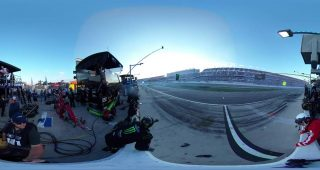 See 360 degrees of crew members' view during Daytona 500 pit road wreck