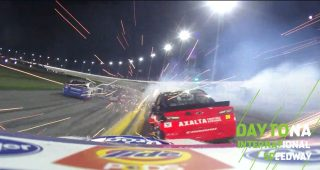 Watch Ryan Preece zoom past a wreck in the Daytona 500