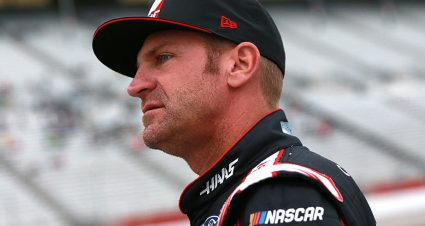 Clint Bowyer tops final Atlanta practice; Kyle Busch crashes