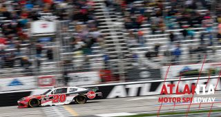 Bell holds off Custer for Atlanta Xfinity win