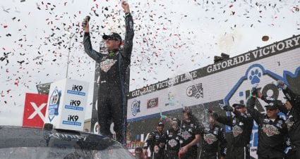 Kyle Busch snares Xfinity victory at ISM; national-series win total hits 198