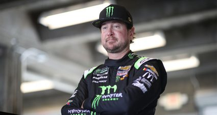 Kurt Busch, Clint Bowyer capitalize on late speed to lead Las Vegas practices