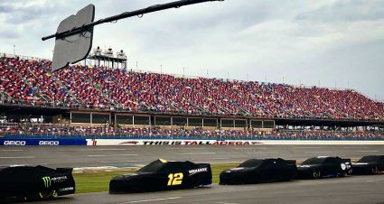Rain pushes Monster Energy Series race at Talladega to Monday finish