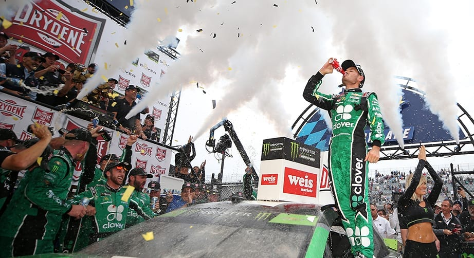 Kyle Larson ends 75-race winless streak with win at Dover   NASCAR.com