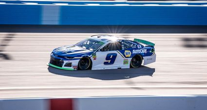 Chase Elliott, Kyle Busch top Monster Energy Series practices at Phoenix
