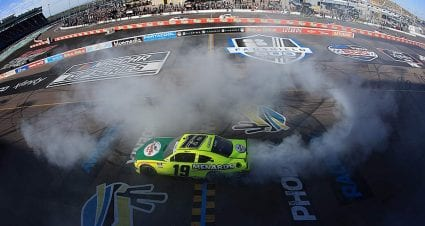 Brandon Jones bypasses Kyle Busch for Xfinity Series win at Phoenix