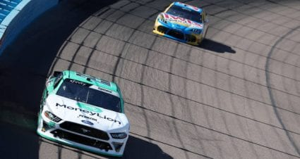 Austin Cindric drives No. 22 Ford Mustang to eighth-place finish at Phoenix Raceway
