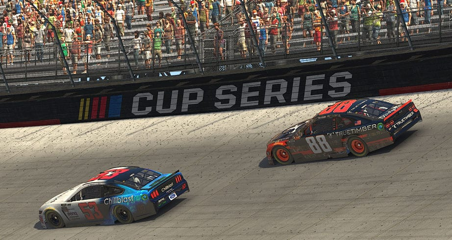 Luza avoids wreck, makes moves for the lead