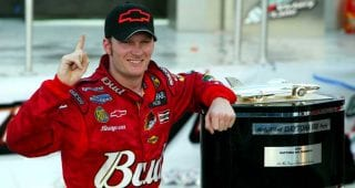 Earnhardt Jr. adds to legacy with Hall of Fame nod