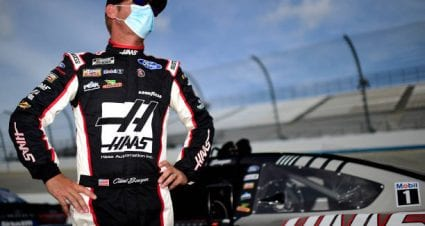 Clint Bowyer places sixth at Dover International Speedway